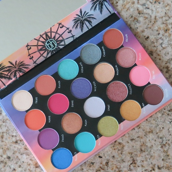 Zodiac 25 Color Eyeshadow And Highlighter Palette by BH Cosmetics #5